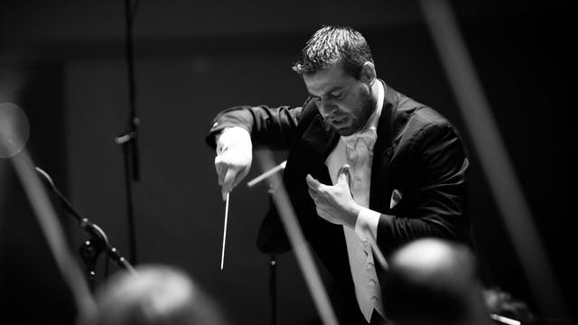 Jader Conducts Mendelssohn