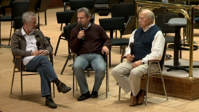 Neeme Järvi talks with DSO members