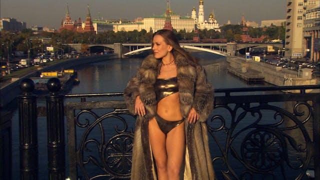 S2:E10 Bikini Destinations - Moscow