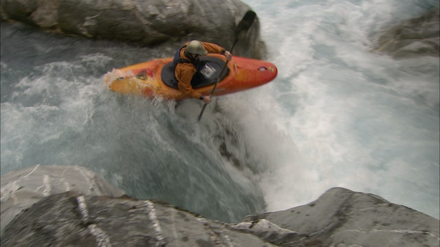 S1:E3 Nomads - Whitewater Kayaking in New Zealand