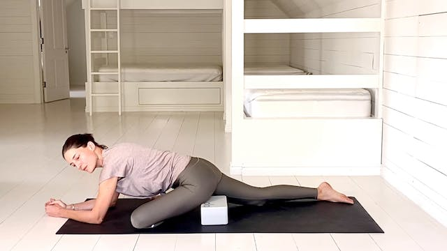 Run Recovery | 30 mins Yoga Condition...
