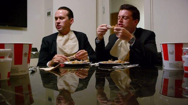 Eric Trump & Donald Trump Jr. Eat Chi...