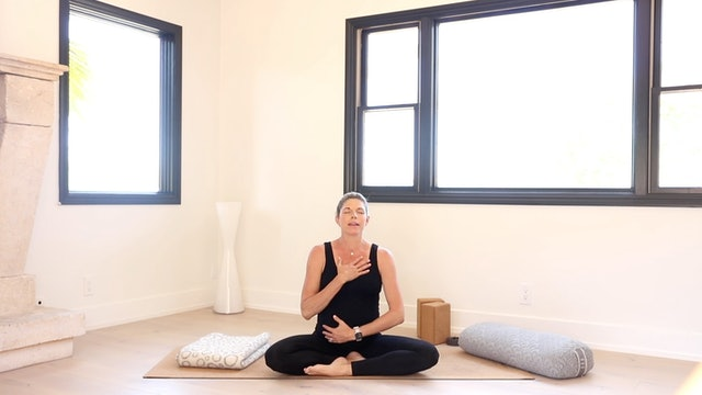 Labor Day Glow: Third Trimester Prenatal Yoga Series with Andrea Bogart