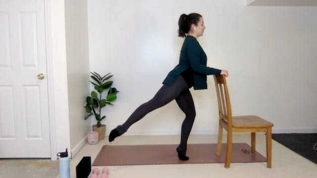 Fun and Playful Barre Flow with Danie...