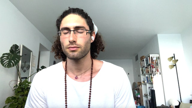 Quick 7 Minute Relaxation with Max Lowenstein