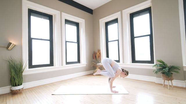 Intermediate Vinyasa: Glow Flow with ...