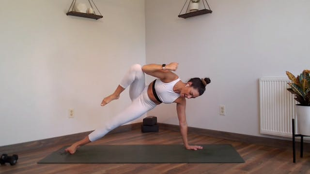 Strong Core: YogaSculpt with Missy Fr...