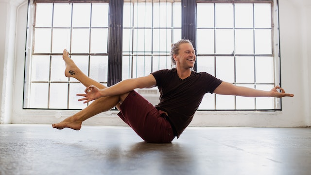 I Am Light: Mantra Vinyasa Series with Vance Vlasek