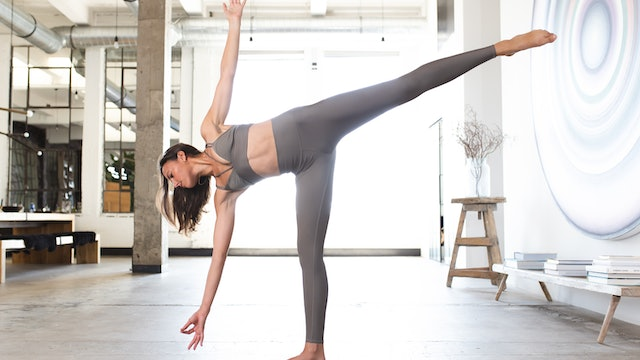 30 Minute Vinyasa with Liz B (IG LIVE 09/20/20)