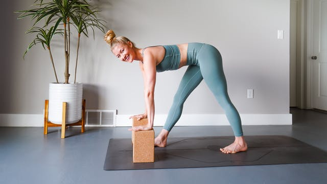 Meet Your Hamstrings: 14 Days of Yoga...