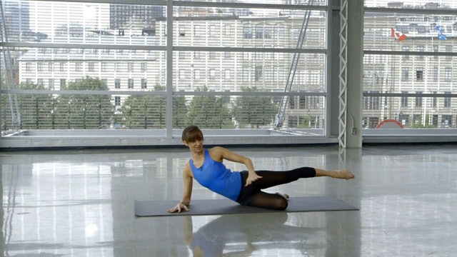 Barre Workout: Floor Toning with Sahra Esmonde-White