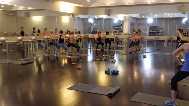 In-studio: Thigh Glutes and Abs Blast...