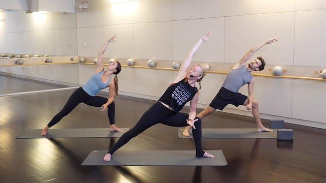 Flow Yoga with Claudia Jasper