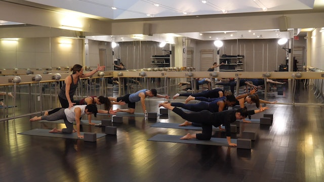 Power Yoga with Erin Jacques, 3.28.19