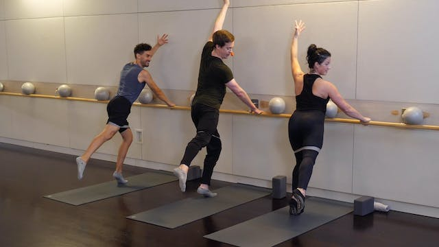 Barre with Kevin Murnane