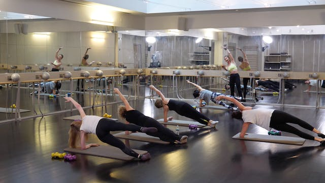 In-studio: Barre with Elisabeth Halfp...