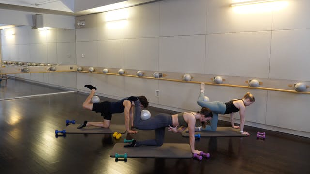 Barre Express with Leah Hassett