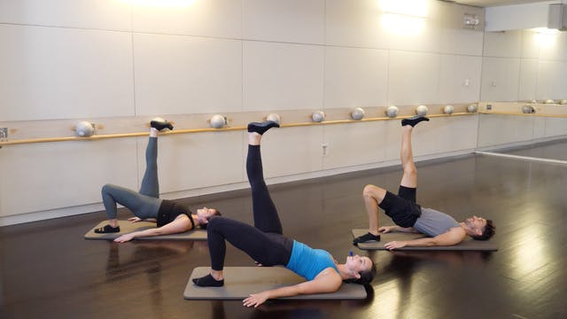 30-minute Barre(less) with Leah Hassett