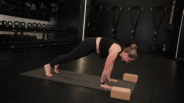 Yoga Flow [Side Crow] with Erin Lagasse