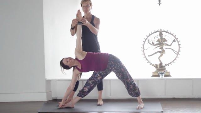 Utthita Trikonasana - Extended Triangle Pose