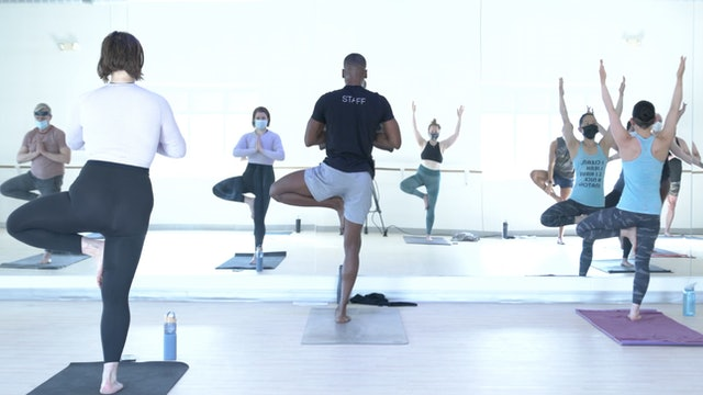 4/4 Yoga with Tray