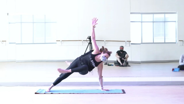 3/2 Core & Stretch with Kiki