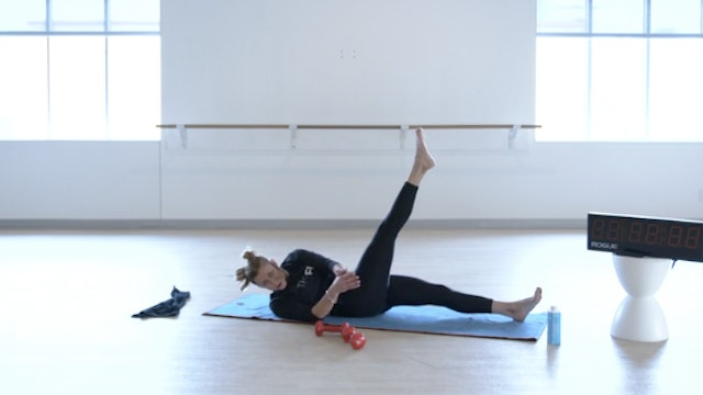 12/8 Core & Stretch with Kiki
