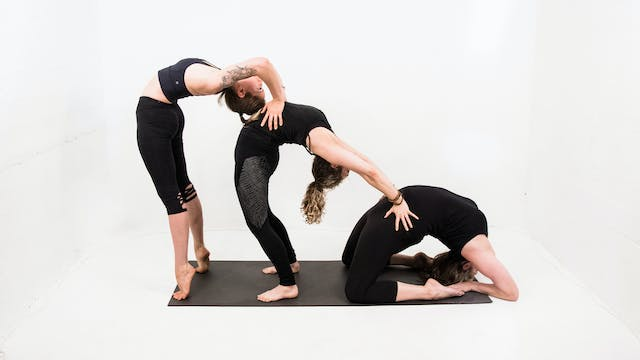 Power Vinyasa with Maddie Nell (60min)