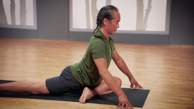 Rodney Yee Flexibility Yoga for Beginners: Hip Opener
