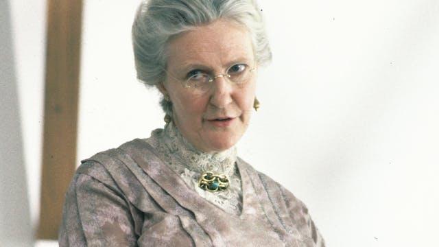 Patricia Hamilton behind the scenes o...