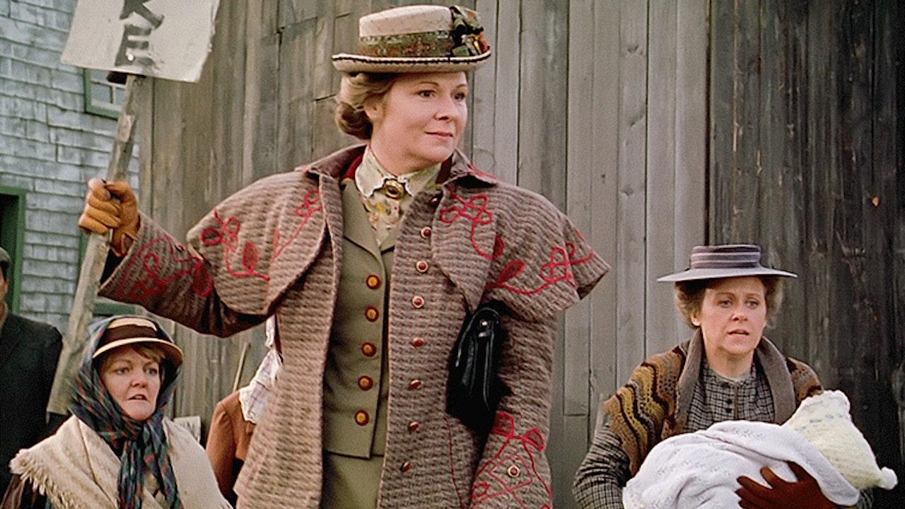 """Episode 6: """"Aunt Janet Rebels"""""""
