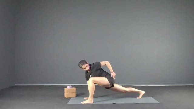 New to Yoga με την Βάλια Γιατζάκη