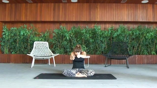Stretching με την Σοφία Μπούρου