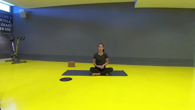 Yoga for Strength and Flexibility με την Δήμητρα Σκούρα