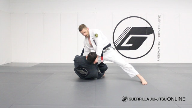 Knee Cut Smash Pass the Reverse De La Riva Guard