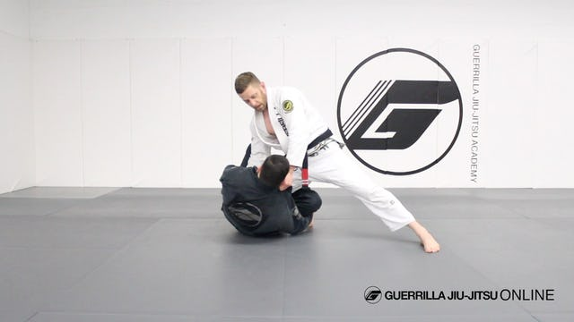 Knee Cut Smash Pass the Reverse De La Riva Guard