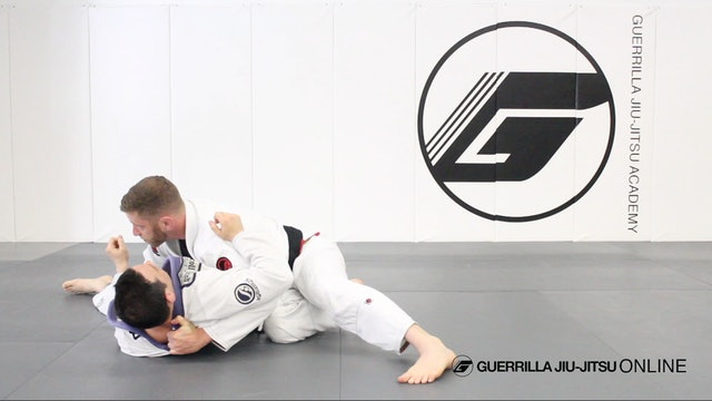 Knee in Center Guard Break Variation to Quick Pass