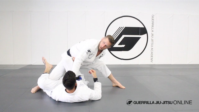Pass De la Riva Guard to Knee Split M...