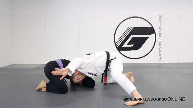 Bow and Arrow Loop Choke from Front Head Lock