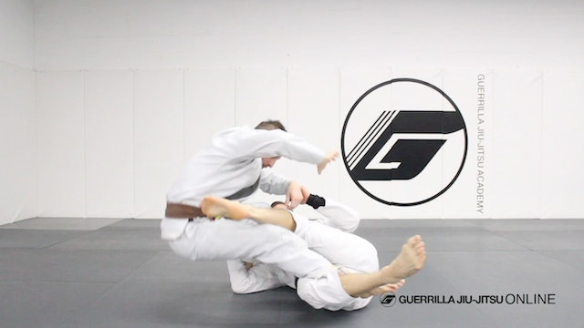 Reverse de la Riva Guard - Simple Sweeps Part 2 - Close Range