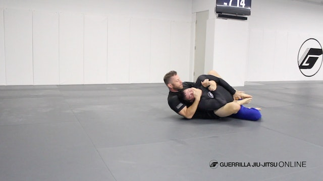 Matt Darcy trains with his students during nogi class