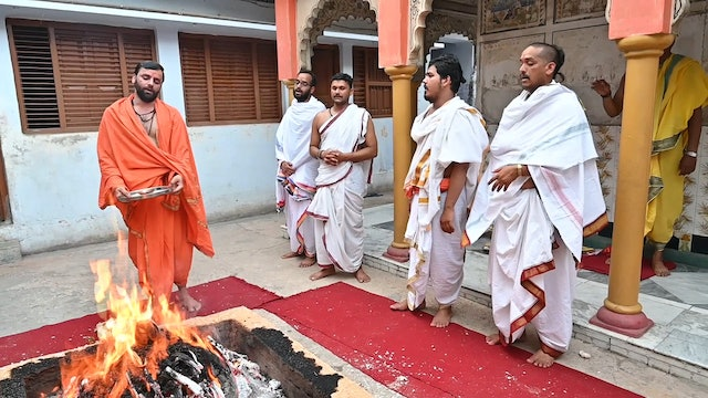 Vespers to Lord Ganapati and Ceremonial Fire