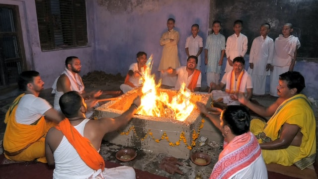 Oblations to the Fire using Vinayaka Mantra