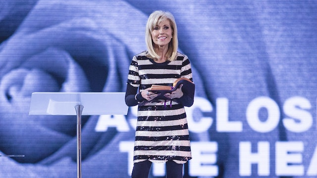 The Living Word Of God - Beth Moore
