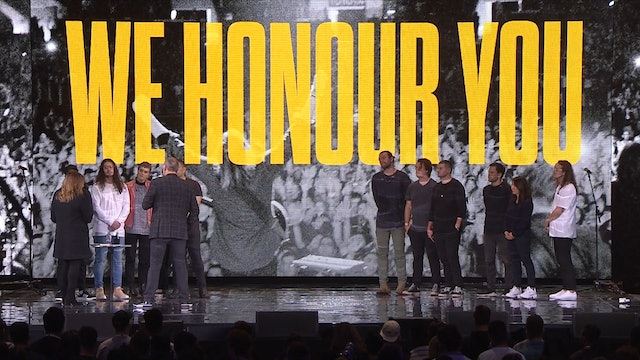 Hillsong UNITED Honour Moment