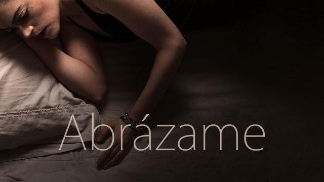 Hold Me (Abrázame) Español