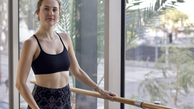 30-Min Yoga Barre with Nicole K