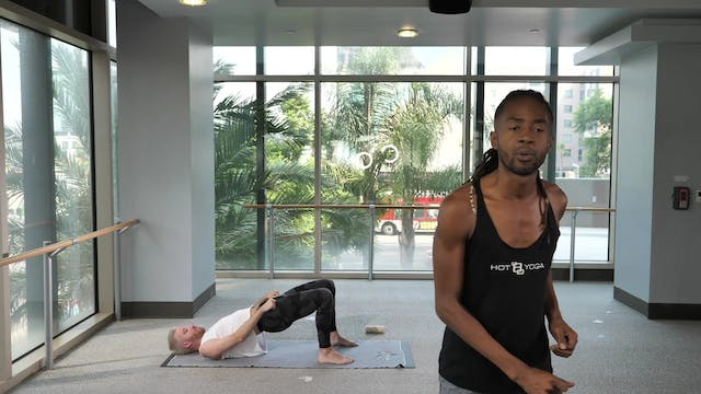 30-Minute Yoga Barre with Antwan T