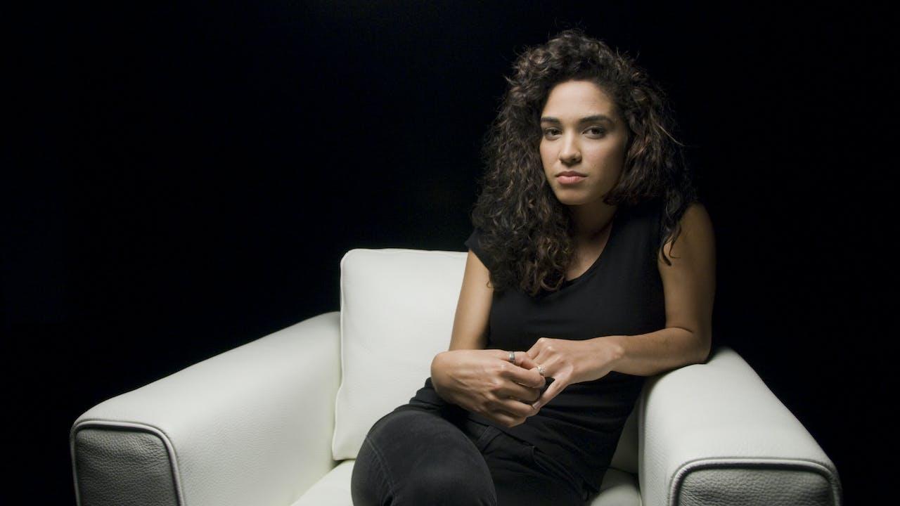 Moriah Peters White Chair Film (Season 6)