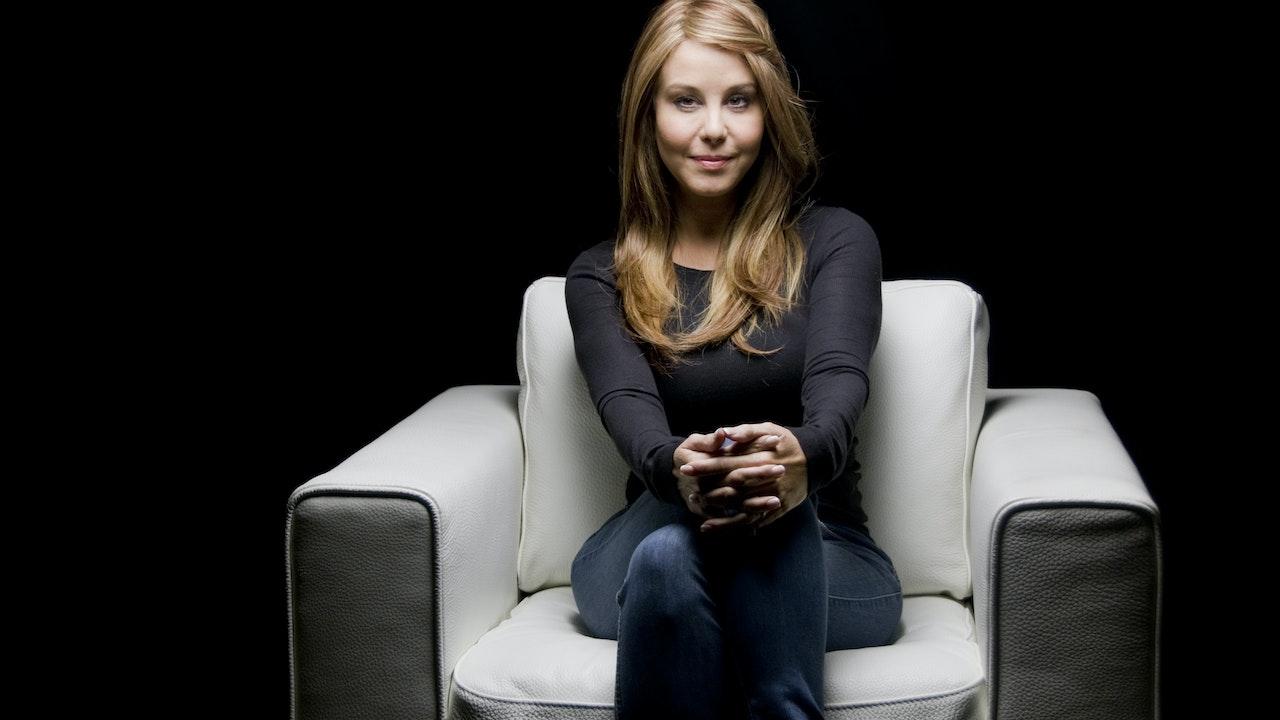 Myrka Dellanos White Chair Film (Season 6)